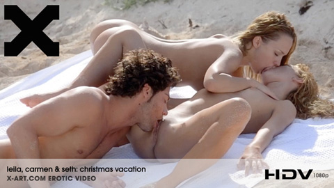 Leila & Carmen - Christmas Vacation
